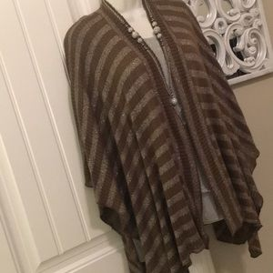 CHICOS SILVER METALLIC AND BROWN RUANA